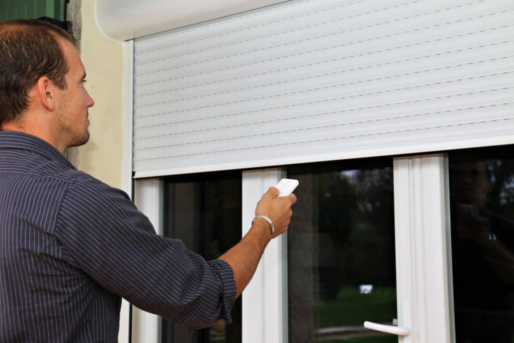 התקנת חלונות חשמליים באזור גן יבנה והסביבה